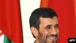 محمود احمدی نژاد قرار است که دور جدید سفرهای استانی خود را آغاز کند.