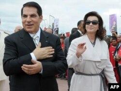 Тунистің бұрынғы президенті Зин әл-Абидин Бен Али мен оның әйелі Лейла. Тунис, 11 қазан 2009 жыл.