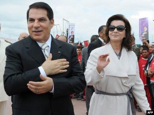 زینالعابدین بن علی به همراه همسرش، لیلا طرابلسی در سال ۲۰۰۹