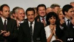 Николя Саркози - один из дюжины кандидатов на президентское кресло
