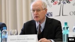 Герт-Хајнрих Аренс, шеф на мисијата за набљудувачи на изборите на ОБСЕ/ОДИХР.