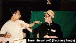 Зоран Стевановиќ, новинар на ТВ Ројтерс и Пол Маршанд во хотелот Холидеј Ин