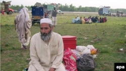 Many thousands have fled the Swat region as Pakistani forces battle Taliban forces.
