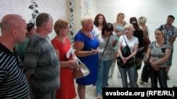 У цэнтры - Натальля Дасько і Аксана Селюкова