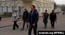З кветкамі – па вуліцы Суворава