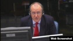 Pirs Taker svjedoči na suđenju Ratku Mladiću, 9. listopad 2012.