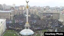 Киевтегі қарсылық. Украина. 1 желтоқсан, 2013 жыл.