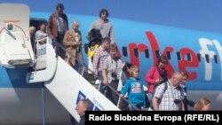 Холандски туристи пристигнуваат во Охрид.