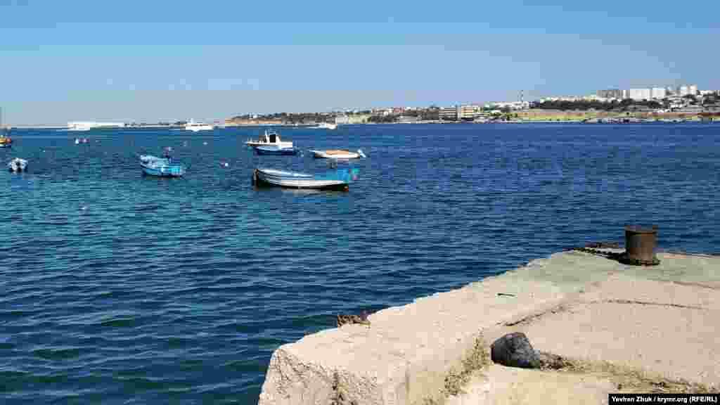 Краєвид із пристані на Севастопольську бухту
