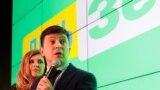 Володимир Зеленський у виборчому штабі після першого туру голосування на виборах президента України, 31 березня 2019 року