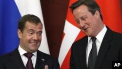 Dmitri Medvedev şi David Cameron
