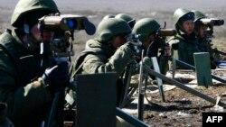 Російській солдати під час навчань у Волгоградській області Росії, 3 квітня 2014 року