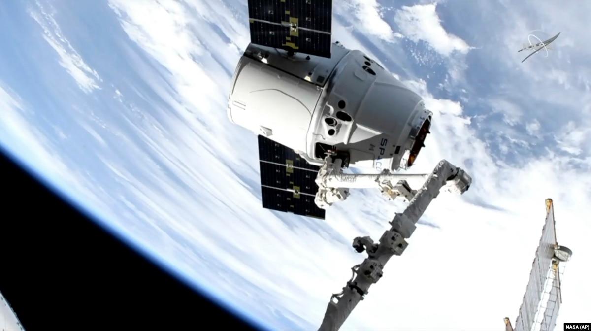 Корабль SpaceX отправился к МКС с 3D-принтером для печати органов