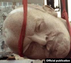 Lenin demontat la Fălești