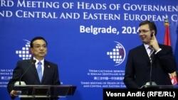 Kineski premijer Li Kećijang i srpski premijer Aleksandar Vučić na sastanku šefova vlada Kine i zemalja centralne i istočne Evrope