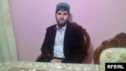 Рустам (Абубакар) Шапиев исповедует суфизм, в то время как его брат является салафитом.