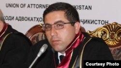 Адвокат Бузургмехр Ёров.
