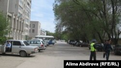 Police cordon off the scene hours after the suicide attack in Aqtobe, western Kazakhstan, on May 17.