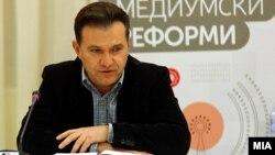 Министерот без ресор задолжен за комуникации, отчетност и транспарентност, Роберт Поповски