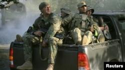 Վրաց հատուկ ջոկատայինները ուղեւորվում են Լոպոտայի կիրճ, որտեղ հատուկ գործողություն է իրականացվում, 29-ը օգոստոսի, 2012թ.