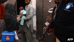 Напади на волонтерів, що проводять вакцинацію від поліомієліту, часто стаються в Пакистані