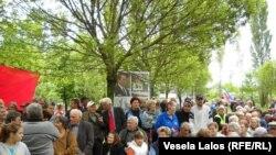 Više stotina jugonostalgičari iz svih mesta bivših YU, raduju se tokom posete Mini-Jugoslavija u selu Aleksandrovo kod Subotice, , 02. maj 2011. Foto: Vesela Lalos