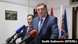 Milorad Dodik u Srebrenici sa novim načelnikom Mladenom Grujičićem, 15. novembra 2016.