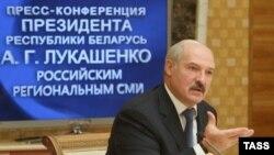 Беларусь - Президент Беларуси Александр Лукашенко на встрече с журналистами (архив)