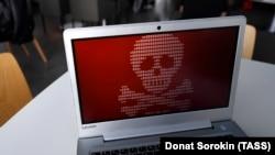 Так выглядае экран кампутара, што дэманструе вірус «Пеця» карыстальніку