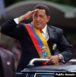 Уго Чавес на военном параде в Каракасе. 2007 год
