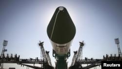 «Прогресс М-28 М» жүк кемесі тиелген «Союз-У» зымыран-тасығышы Байқоңыр ғарыш айлағында. 1 шілде 2015 жыл.