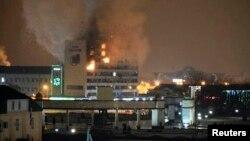 Ռուսաստան - Զինյալների հարձակման հետևանքով այրվող Մամուլի տունը, 4-ը դեկտեմբերի, 2014թ․