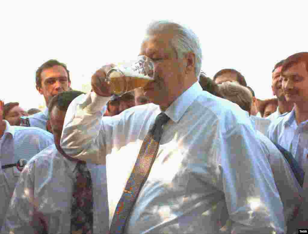 Робочий візит, Новочеркаськ, Ростовська область, 11 червня 1996 року