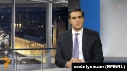 Омбудсмен Армении Арман Татоян дает интервью Радио Азатутюн (архив)