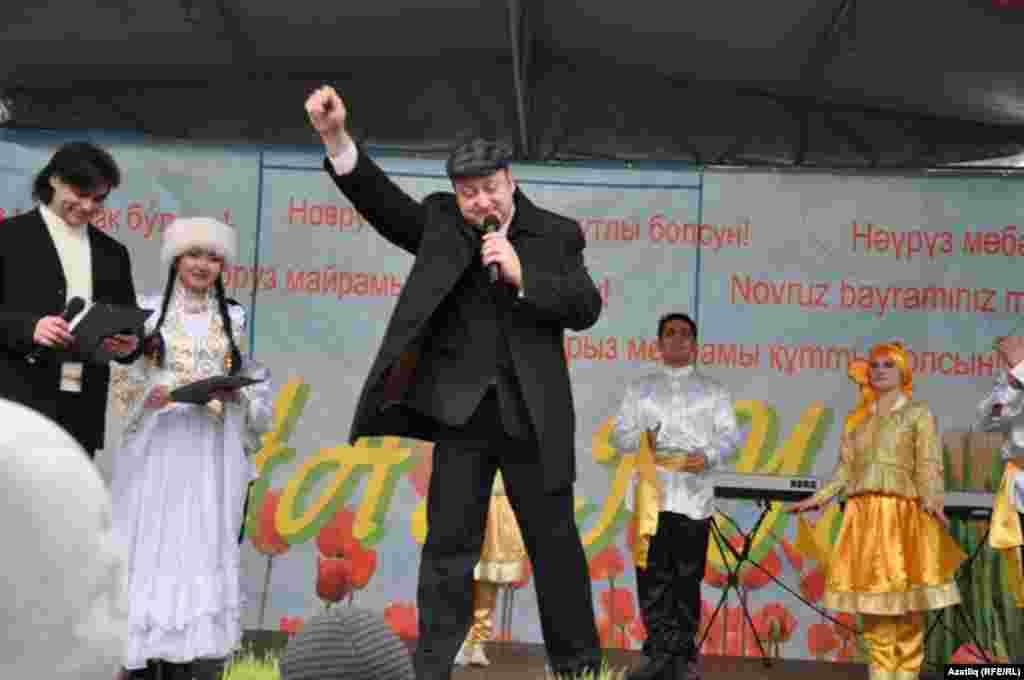 Дуслык йорты мөдире Дмитрий Мюлбах тантанадан канәгать