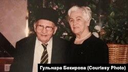 Айше Диттанова с мужем Меджитом Асановым