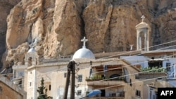 شهر مسیحینشین «معلولا»، با پنج هزار نفر جمعیت، در ۵۵ کیلومتری شمال دمشق قرار دارد.