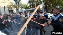 Столкновения в центре Еревана, 5 ноября 2013 г.