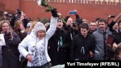 Евгения Чирикова установила на Красной площади зелёную палатку. 8 апреля 2012 г