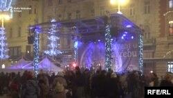 Advent u Zagrebu veliki je hit, ali unatoč tome, mi domoroci, pokušavamo ga slaviti daleko od trgova, kućica i sveg tog kiča u ovom rococo gradu