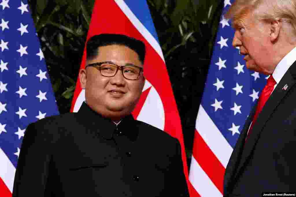 Во время встречи Дональда Трампа и Ким Чен Ына.