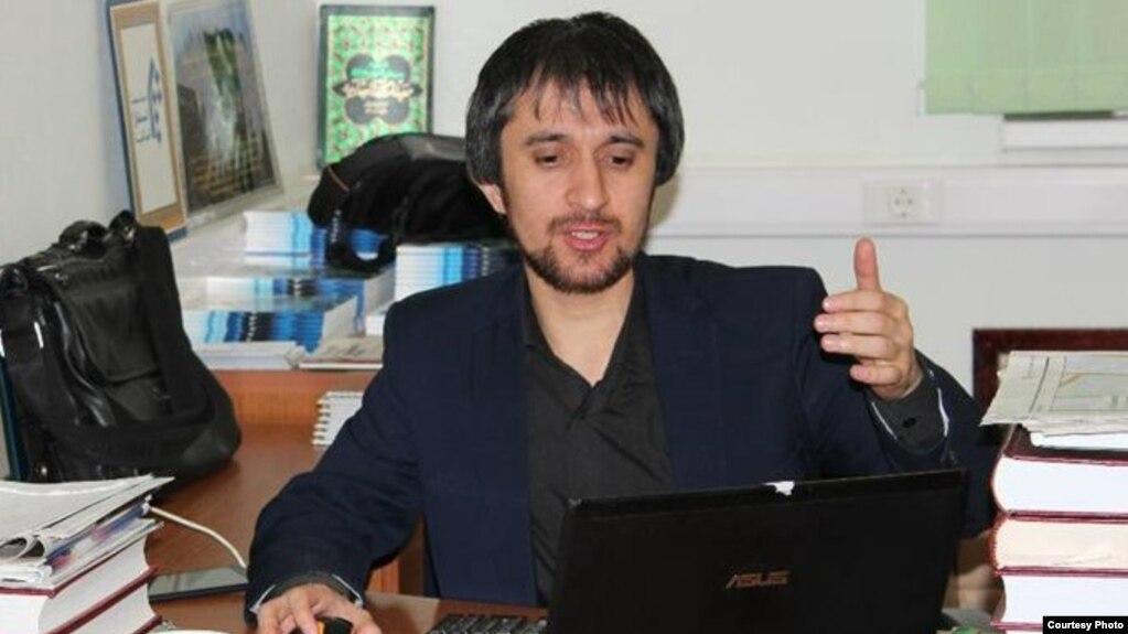 Рӯҳонии тоҷик Хайриддини Абдуллоҳро пас аз 8 моҳи боздошт озод кардаанд