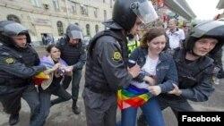 Рея задерживают на ЛГБТ-акции
