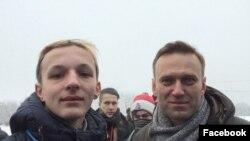 Антон Раков и Алексей Навальный на митинге во Владимире