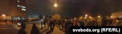 26 кастрычніка 2020 году. Частка работнікаў «Гродна Азоту» адмаўляецца заступаць на зьмену, каля 150 чалавек сабраліся на прахадной