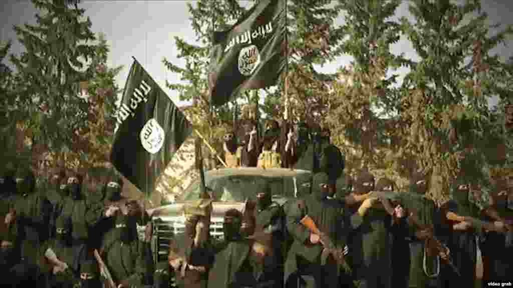 САД - Исламска држава ги зајакнува своите позиции во Ирак и е во процес на преродба во Сирија, се наведува во извештајот на генералниот инспектор при Министерството за одбрана на САД, Глен Фајн, за текот на операцијата Непоколеблива одлучност, која се спроведува во Ирак и Сирија од силите на коалицијата предводена од Вашингтон, објавија светските новински агенции.
