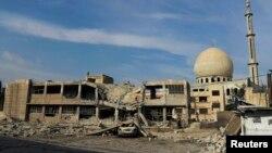 Разрушенная мечеть в сирийском городе Дарайя в окрестностях Дамаска, 2012 год.