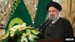 ابراهیم رئیسی از سال ۹۱ با حکم رهبر جمهوری اسلامی به عنوان دادستان ویژه روحانیت نیز منصوب شده است.