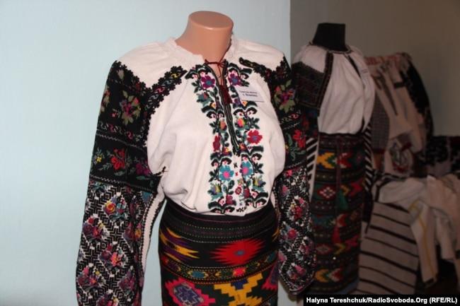 Подарована сорочка із села Вовківці