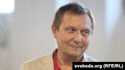 Аляксандар Лукашук на цырымоніі ўручэньня прэміі імя Алеся Адамовіча